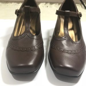 Naturalizer Brown Leather T Strap Maryjanes 8M